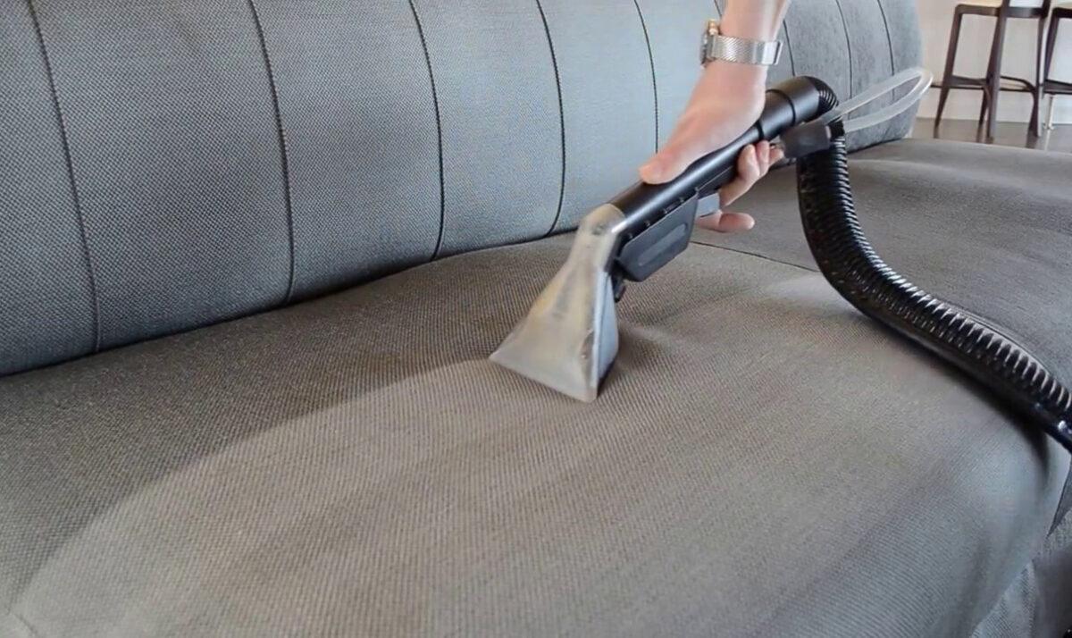 как дома почистить диван