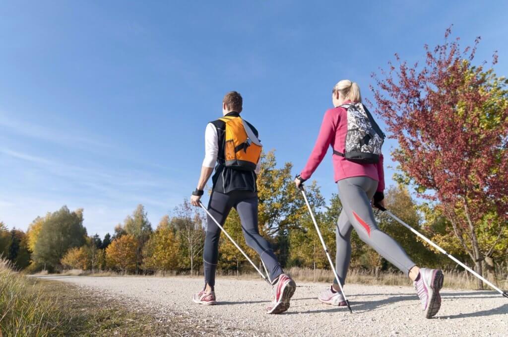 Спортивная скандинавская ходьба