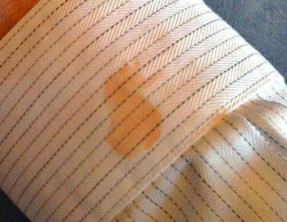Как удалить пятно от ржавчины на одежде