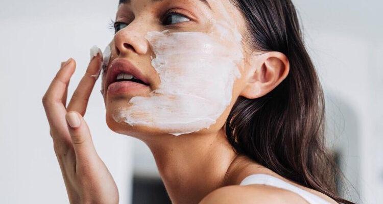 Как избавиться от мелких морщин на лице
