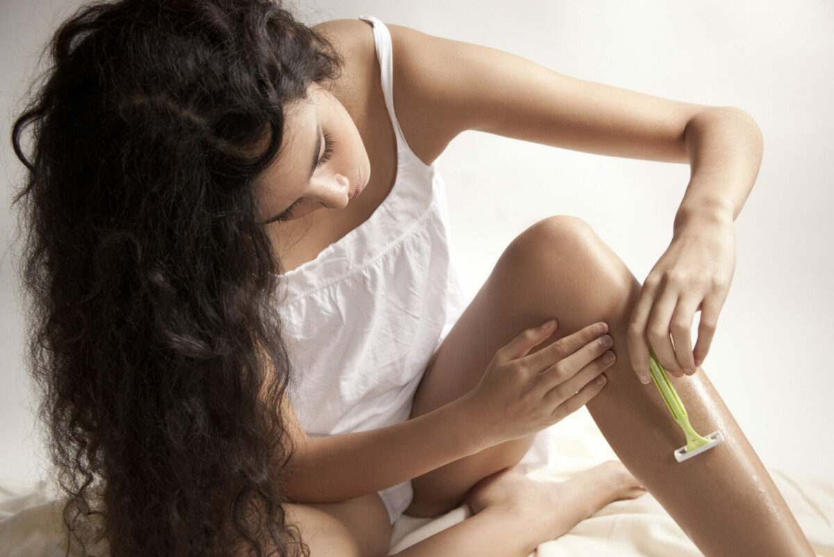 Как удалить дома волосы