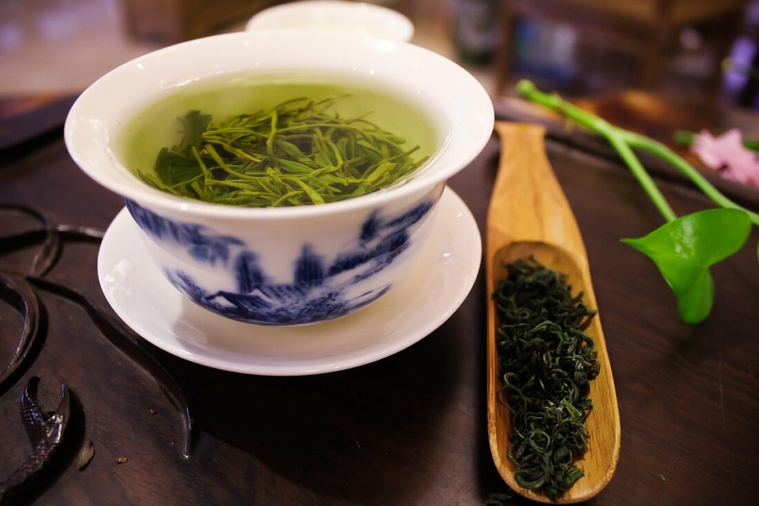 Зелёный чай: полезные свойства для женщин