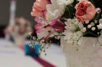 Что можно подарить молодоженам на свадьбу оригинальное