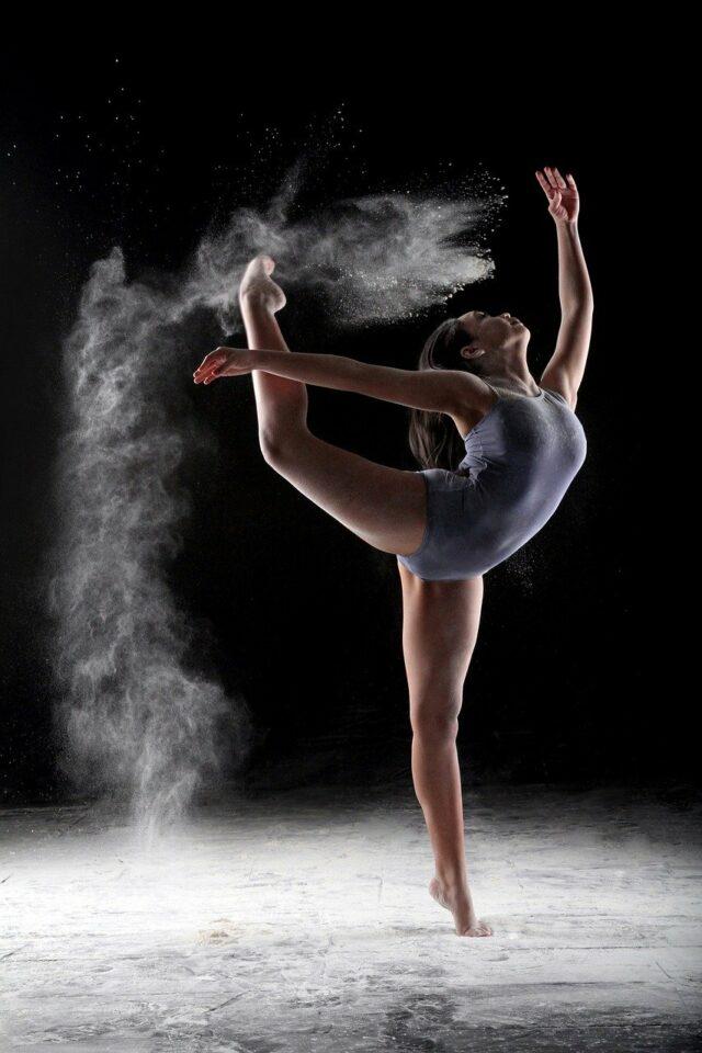 Как красиво научиться танцевать дома