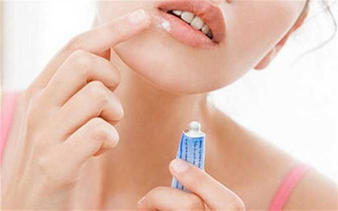 Как избавиться от вируса герпеса на губах