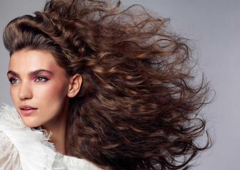 Как сделать пышные волосы в домашних условиях