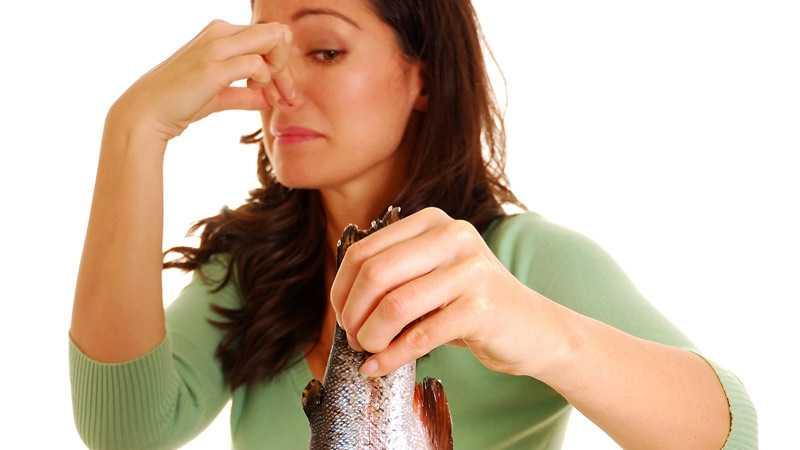 Почему речная рыба имеет специфический запах