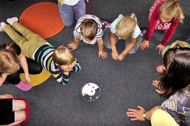 Ребёнок в детском саду осваивается