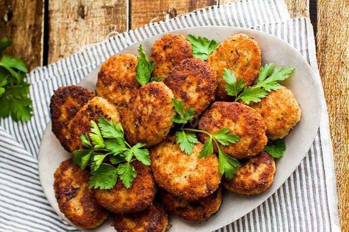 Как приготовить ПП котлеты из курицы с укропом и баклажаном