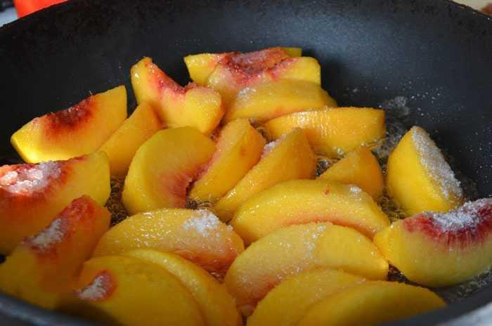 Как приготовить сочную курицу с имбирем и персиками
