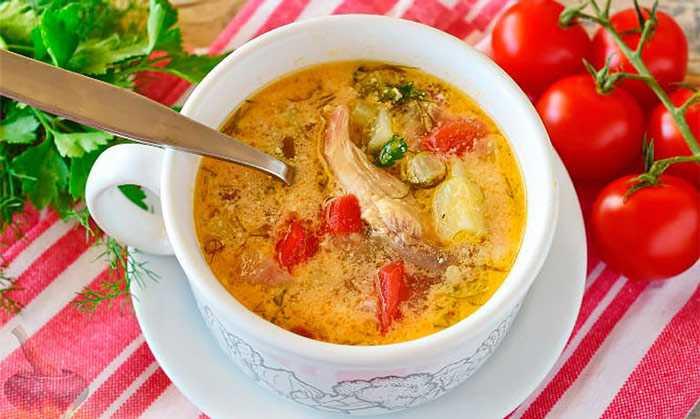 Вкусный суп из курицы с рисом и зеленью